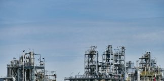 Saudi Aramco plans to increase its oil production capacities despite investment cuts